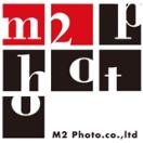 「株式会社エムツーフォト」のロゴ