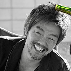 鈴木康祐氏