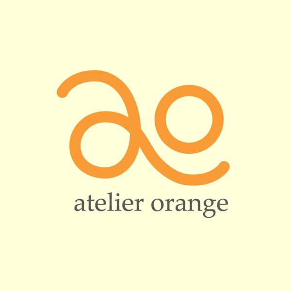 「アトリエオレンジ株式会社」のロゴ
