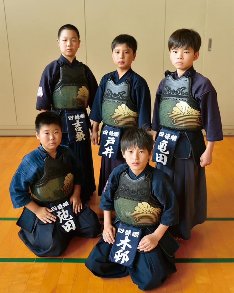 夢玄胴を着用した四條畷の剣道チーム