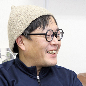 賀來寿史氏