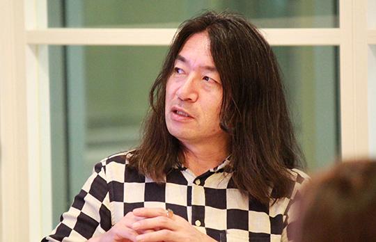 橋本健二氏