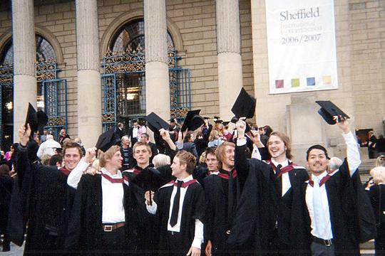 卒業式での記念写真
